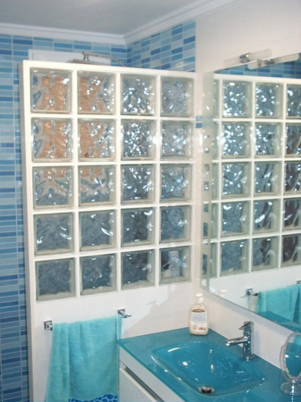 Muebles de ba o blog estilo y decoraci n en tu ba o for Mamparas de ducha de obra